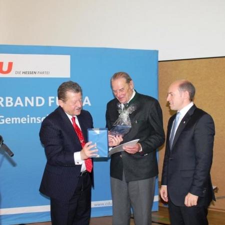Dr. Richard Schute wird für 70jährige Mitgliedschaft geehrt